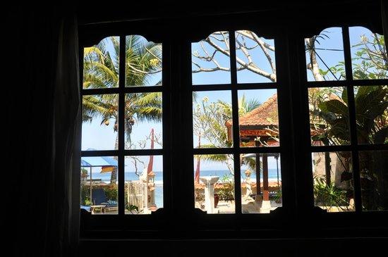 Nusa Indah Bungalows & Villa: Aussicht aus dem Fenster von Bungalow 1