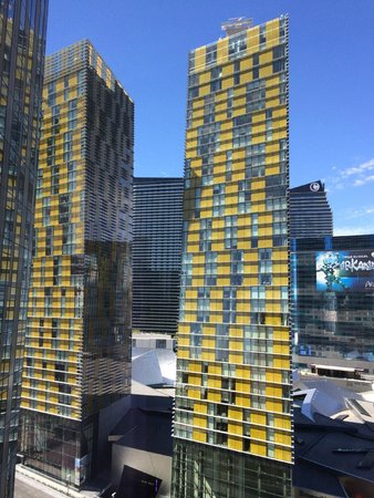 Mandarin Oriental, Las Vegas : views of crystals