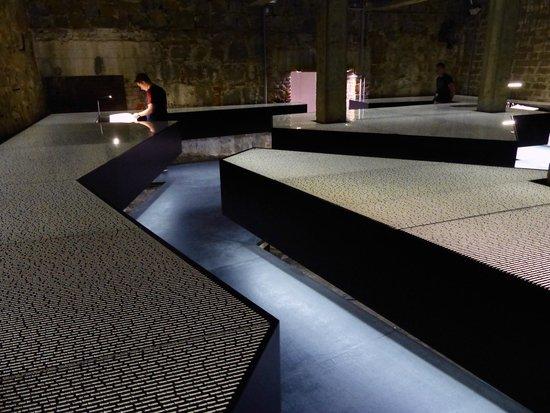 KZ-Gedenkstätte Mauthausen: La stanza dei Nomi