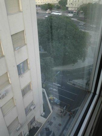 Exe Hotel Colón: vista desde la habitacion hacia la 9 de Julio. habitacion 1010
