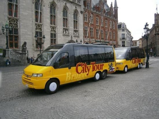 Burg : City tour buses at square!