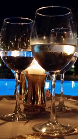 Montana Pine Resort: 15.07.14    wine please