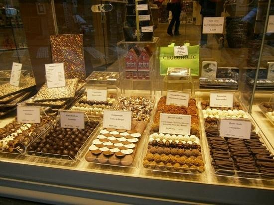 Burg : Belgian chocolates shop at square!