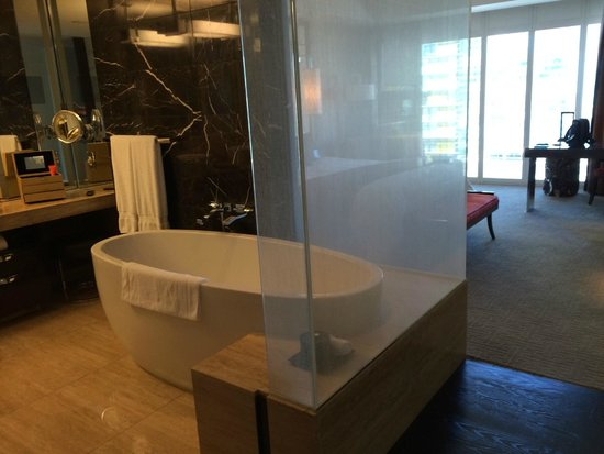 Mandarin Oriental, Las Vegas: Not the biggest room but adequate, just