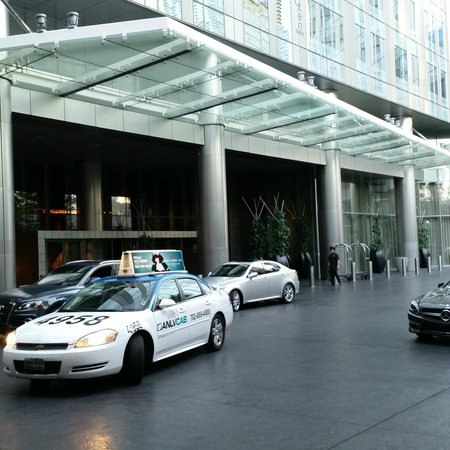 Mandarin Oriental, Las Vegas: Hotel entrance