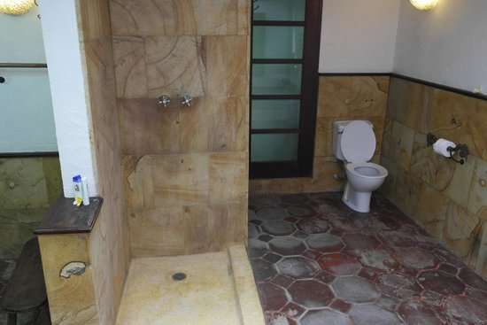 Taman Wana Ayurvedic Luxury Hotel and Villas in Seminyak : les WC
