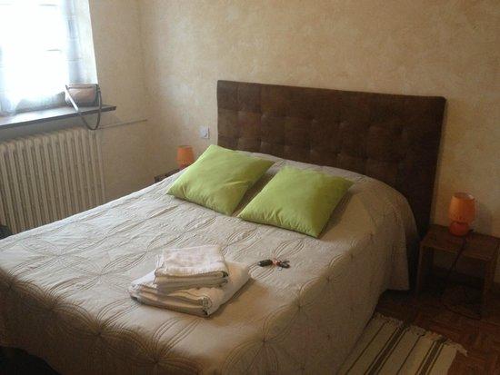 Domaine de la Courbe : lit chambre standard