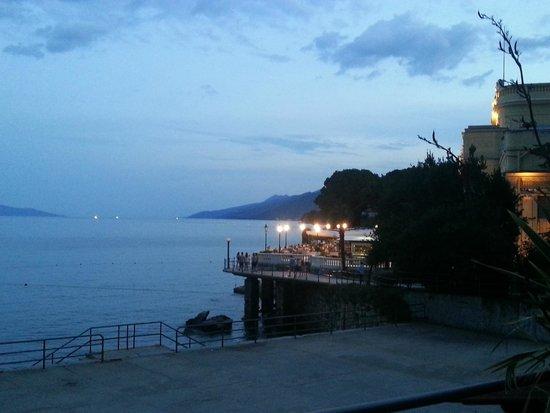 Grand Hotel Adriatic: by night