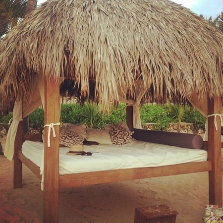 Excellence Punta Cana: Beach bed!