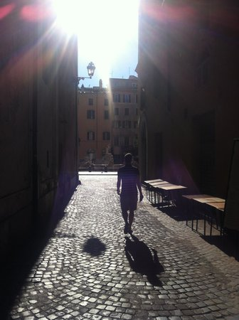 Hotel Raphael - Relais Chateaux: Early morning walk to Piazza Navona