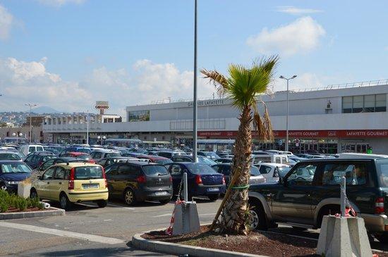 Cap 3000 : Parcheggio e struttura