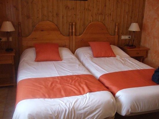 Hotel Sorrosal : camas