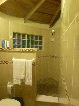 Midas Belize: Bathroom