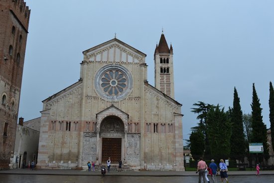Basilica di San Zeno Maggiore: Facciata