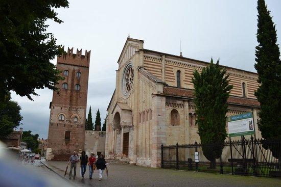 Basilica di San Zeno Maggiore: Vista dall'esterno