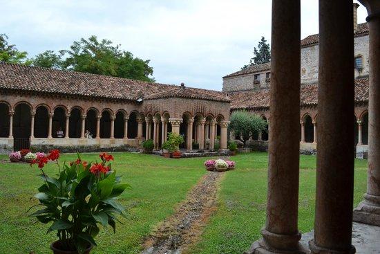 Basilica di San Zeno Maggiore: Chiostro