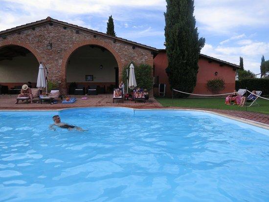 Le Case Coloniche : piscina