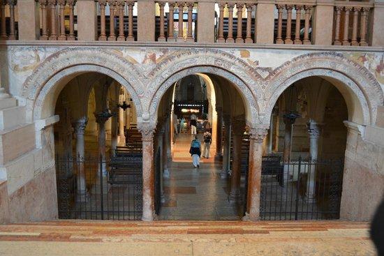 Basilica di San Zeno Maggiore: Cripta con le spoglie di San Zeno