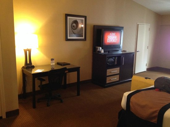 Best Western Plus Newark Airport West : Room from room entrance
