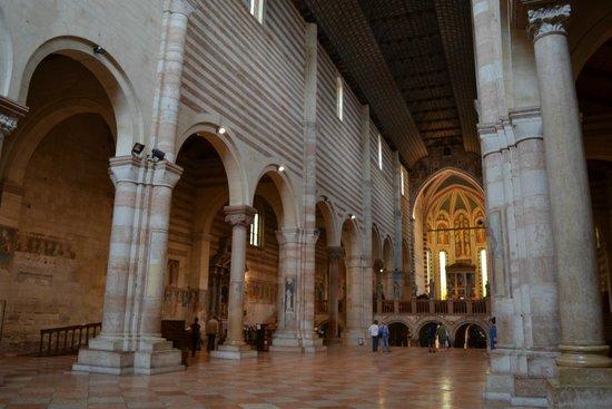 Basilica di San Zeno Maggiore: Navata 4