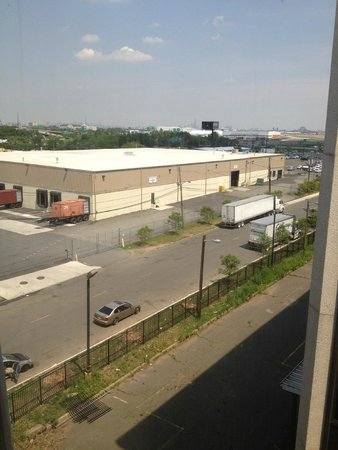Best Western Plus Newark Airport West : View Entrance