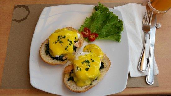 Cafe del Sol Boracay: Eggs Benedict