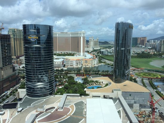 Grand Hyatt Macau: Cotai view at room 2802