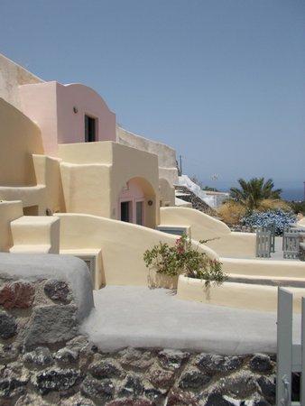 Ambelia Traditional Villas: Outside of our villa