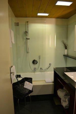 Theresia Gartenhotel: Bathroom