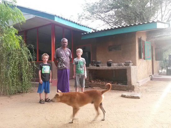 Clay Hut Village : Our lovely kids and friendly owner