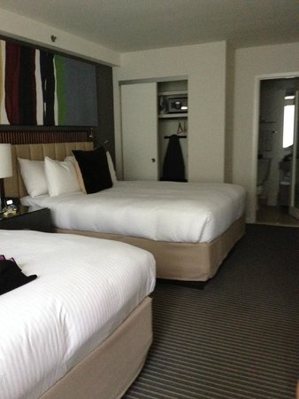 Fifty NYC–an Affinia hotel: Bedroom