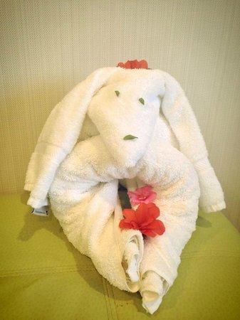 Ocean Park Inn: A towel creation our housekeepers create.
