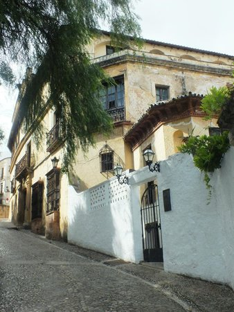 La Casa Del Rey Moro: Дворец с улицы
