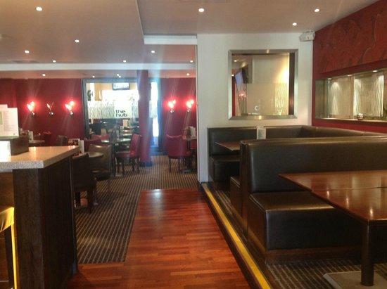 Holiday Inn London-Gatwick Airport: the hub