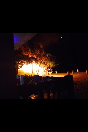 Country Country Beach Cottages: Fire!!!!