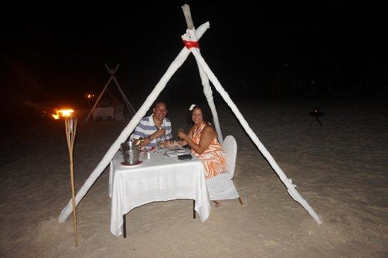 Sandals Grande Antigua Resort & Spa : Anniversary dinner on the beach
