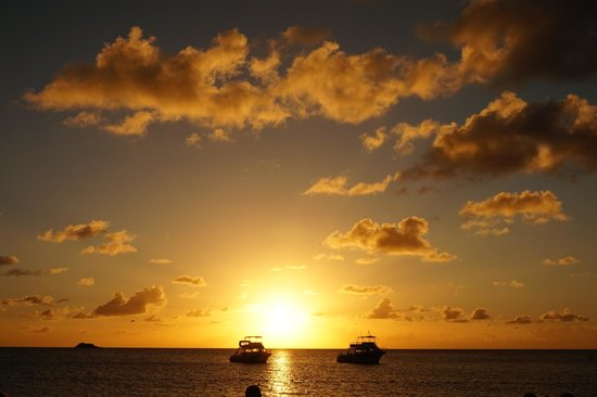 Sandals Grande Antigua Resort & Spa : Beach Sunset