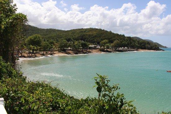 Langley Resort Hotel Fort Royal Guadeloupe: VUE DE  L HOTEL DEPUIS LA COTE