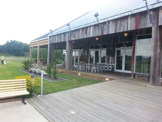 firefly grill: Front of Restaurant