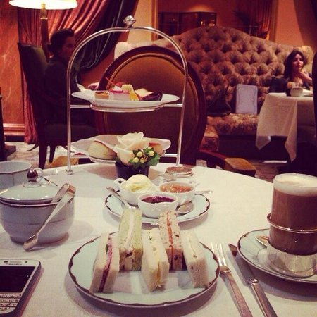 The Dorchester: Afternoon tea