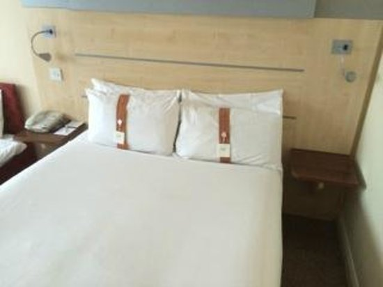 Holiday Inn Express Folkestone Channel Tunnel: Double bed