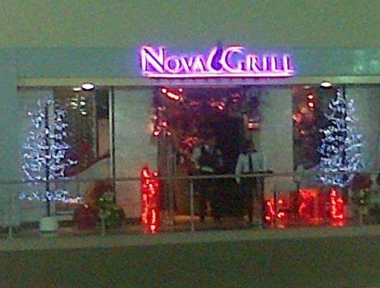 La Nova Grill: Entrada del Restaurante