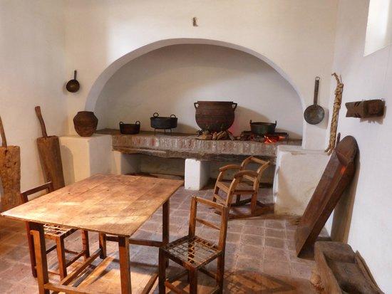 Cocina de la poca del virrey liniers picture of museo for Casa de cocina la plata