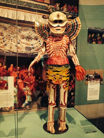 Museo Nacional de Escocia: Tibetan Dancing Skeletons Costume