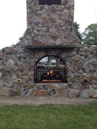 Cajun RV Park : Outdoor fire place