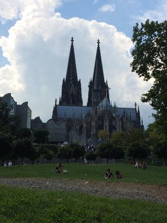 Kölner Dom: The cathedral from the river side view
