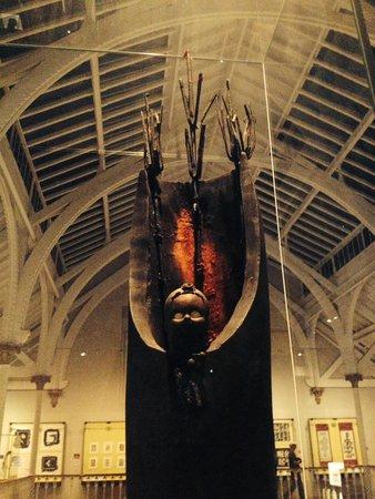 Museo Nacional de Escocia: Gerard Quenum's L'Ange Sculpture