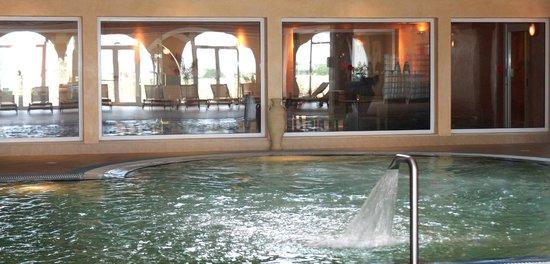Cesar Thalasso: spa pool