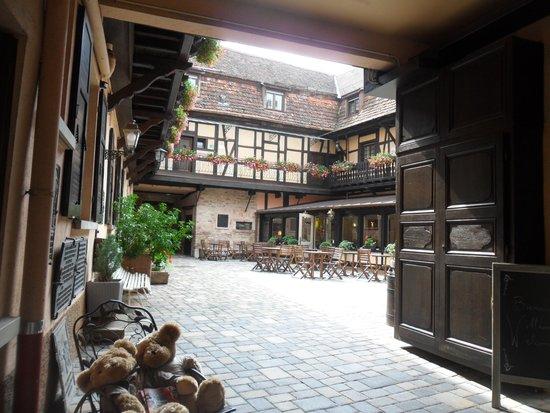 Hotel le Gouverneur: Cour intérieure de l'hôtel