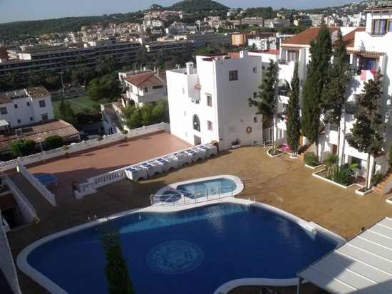 Holiday Park Apartments: View Of The Pool